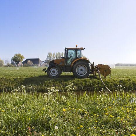 Usługa ciągnikiem rolniczym
