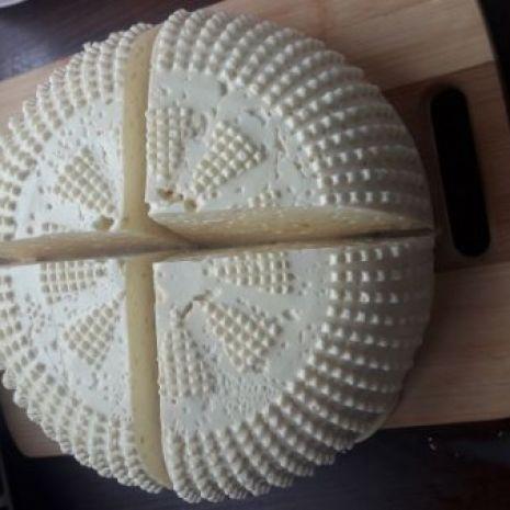 Bundz ser podpuszczkowy