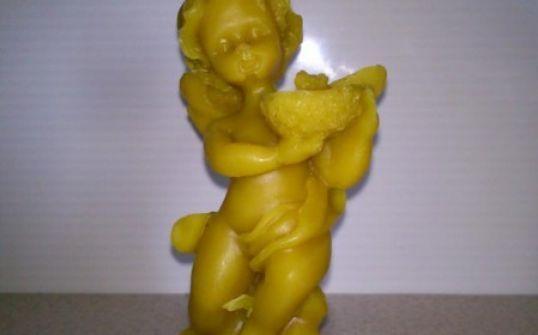 Anioł z wosku pszczelego